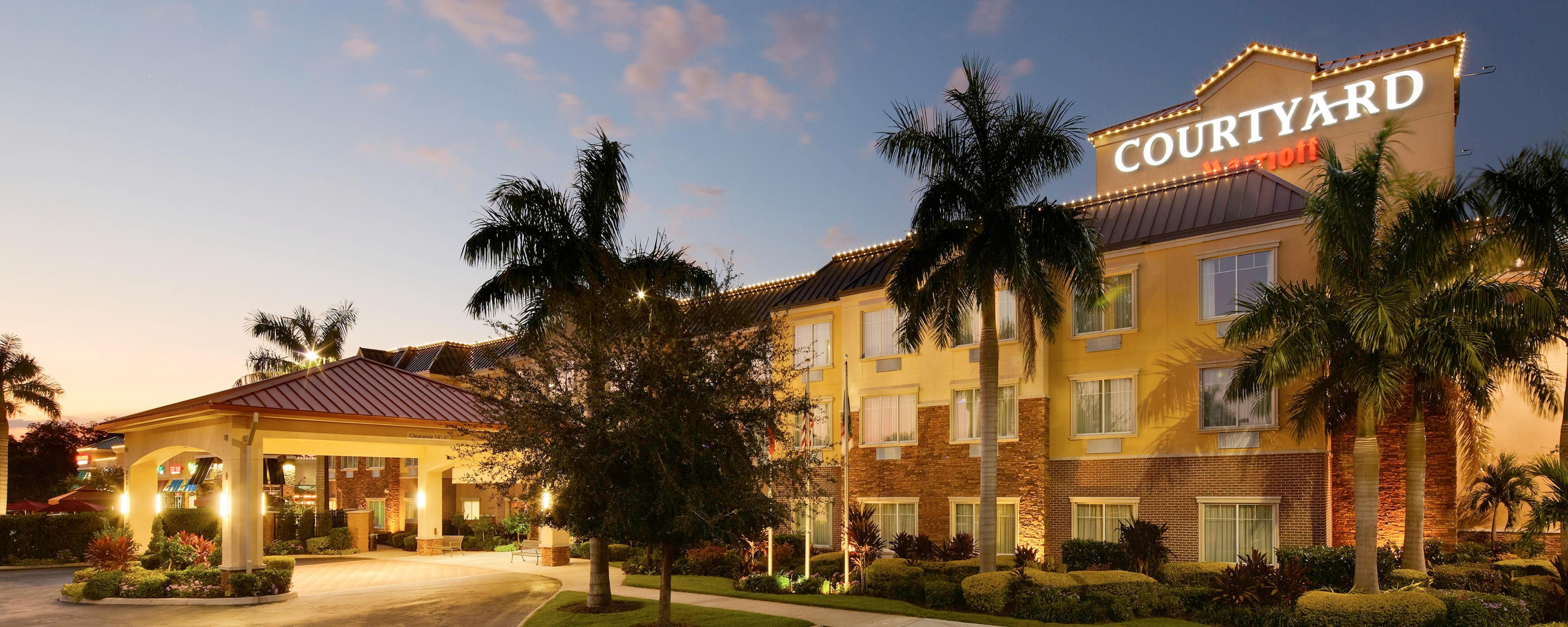 Hotels near Sarasota, FL | Courtyard Lakewood Ranch Hotel near Sarasota