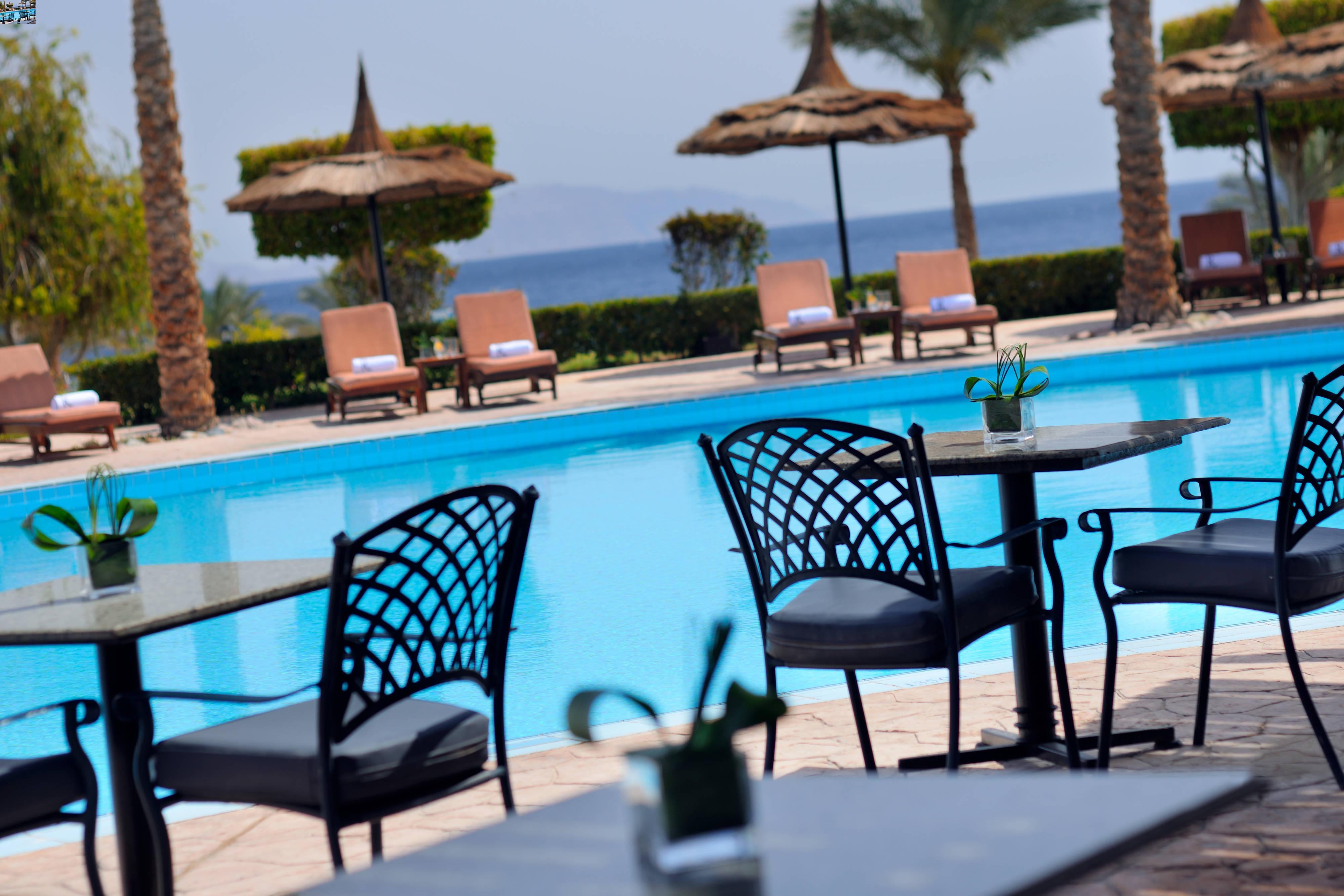 Renaissance Sharm El Sheikh Resort Pool Bar