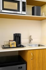 SpringHill Suites St. Louis Brentwood Kitchenette