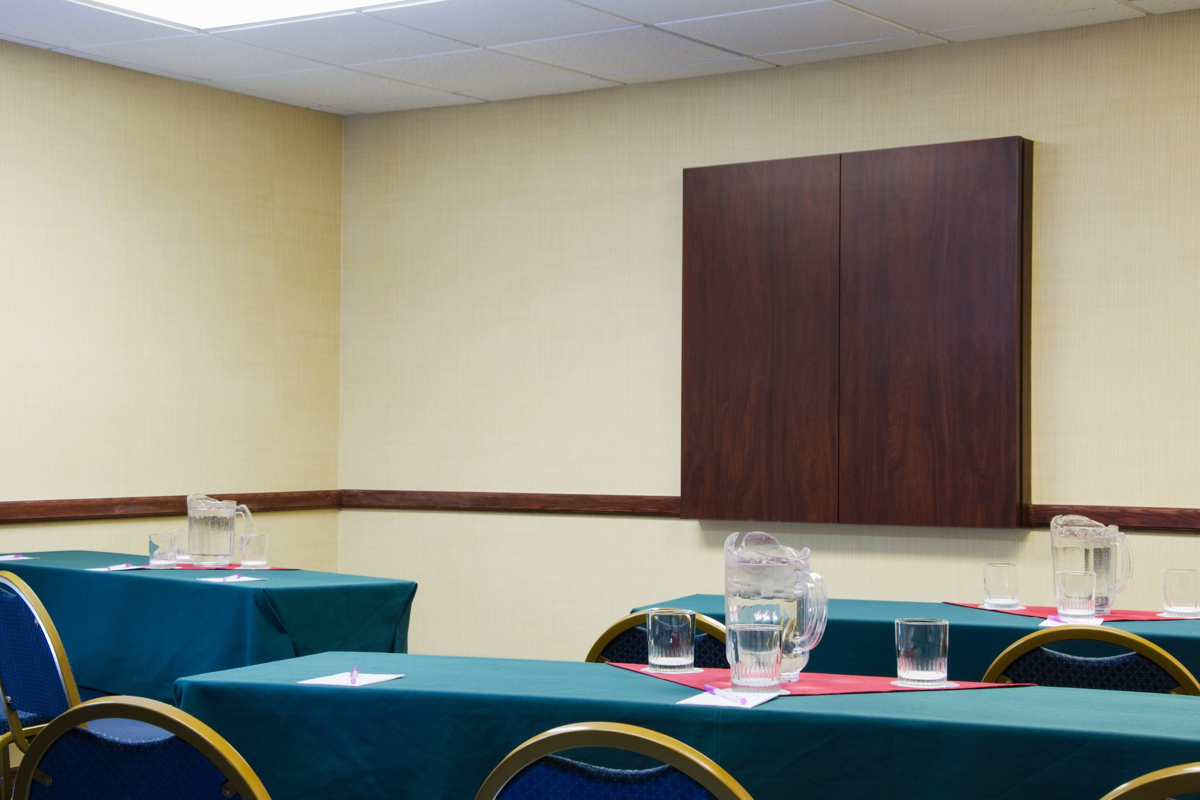 SpringHill Suites St. Louis Meeting Room