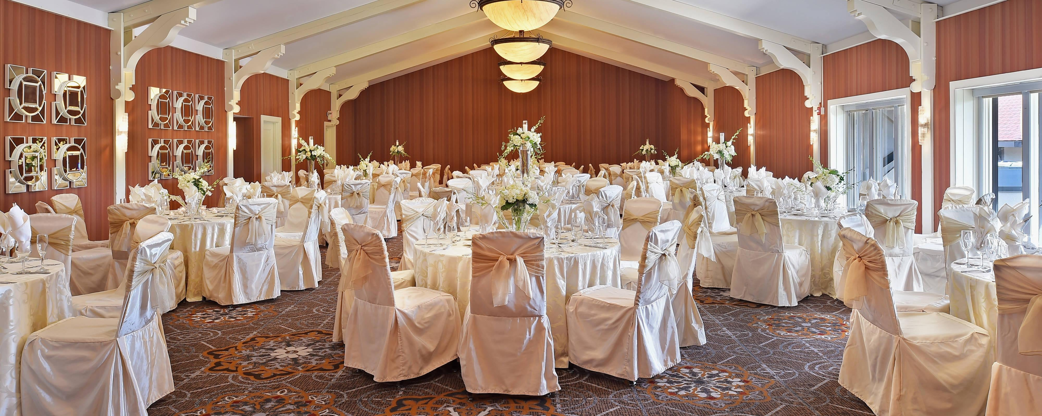 Wedding Venue Hotel In St Louis Sheraton Westport Chalet Hotel