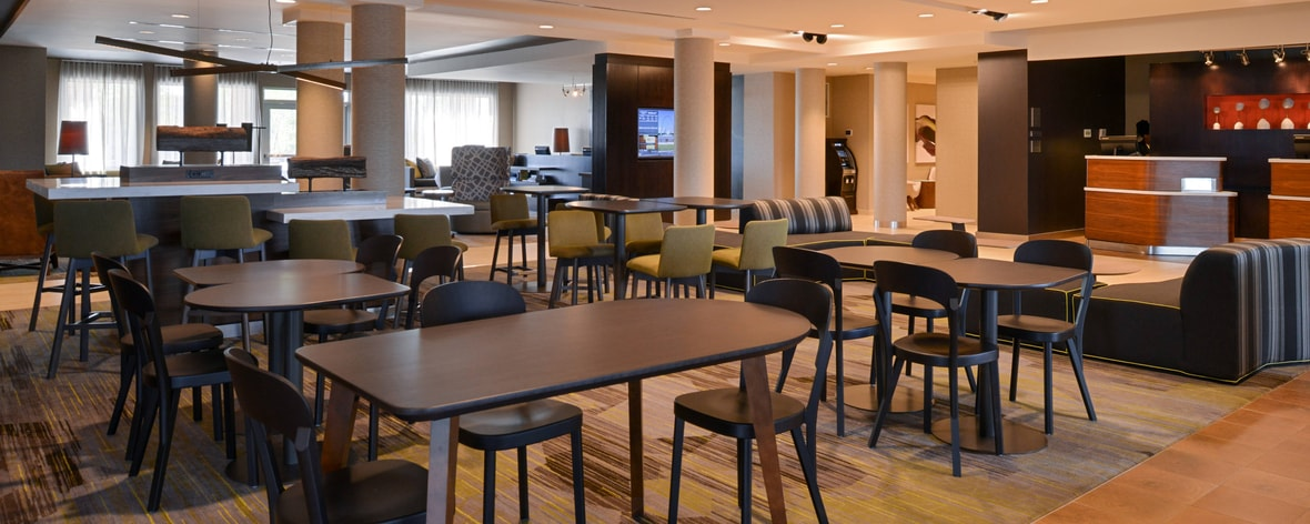 St. Peters, MO Hotels near St. Charles | Courtyard St