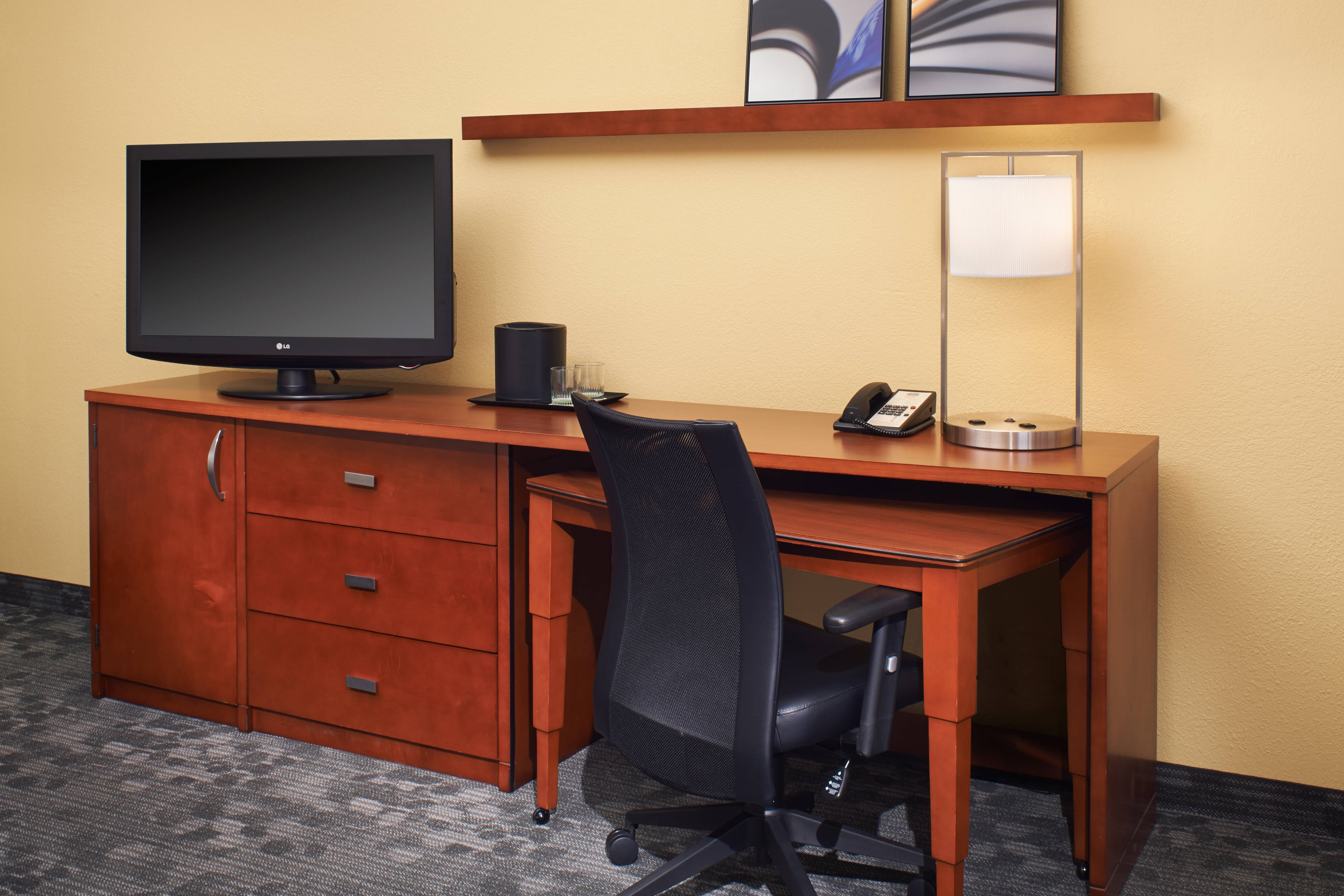Guest Room – Work Desk