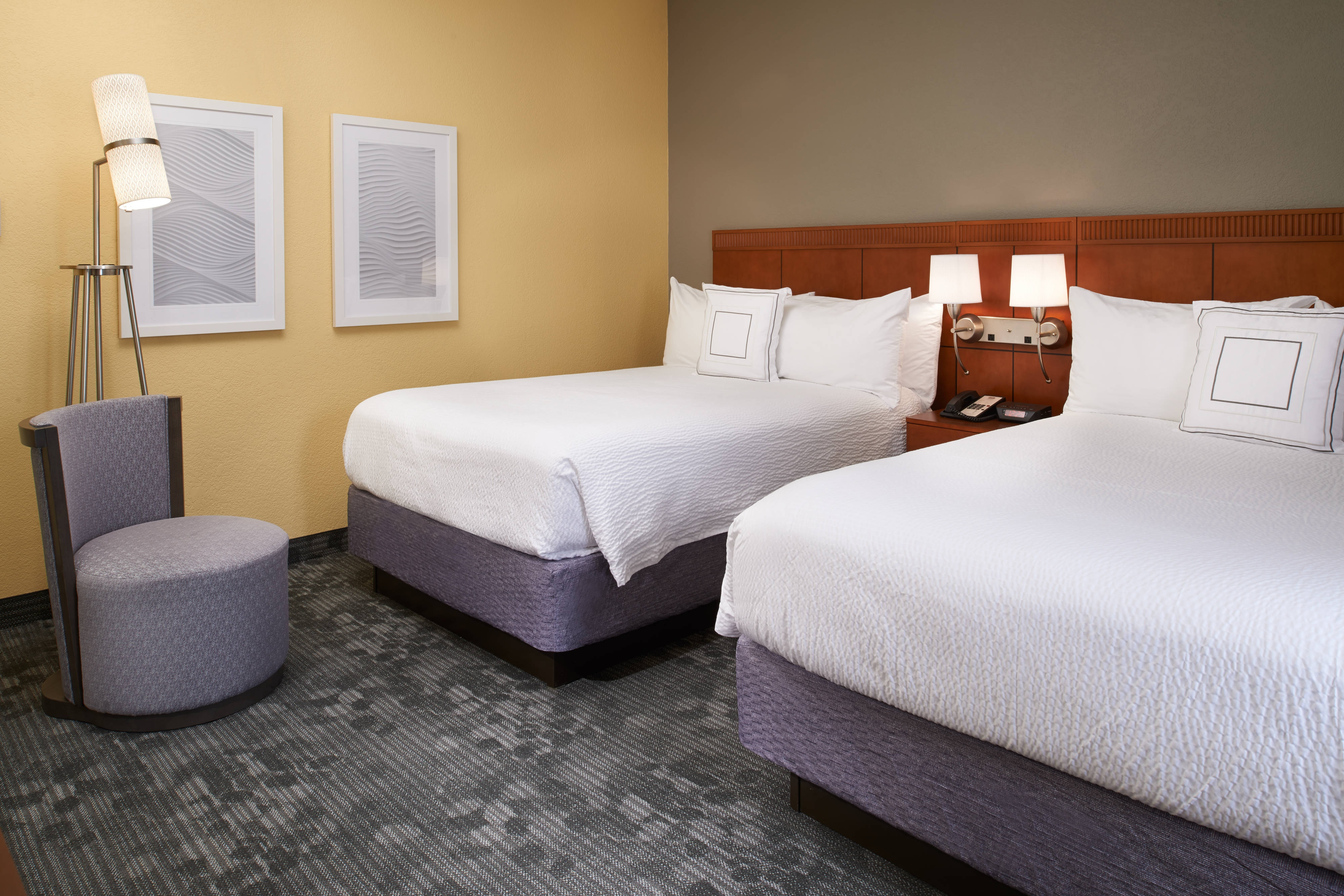 Hotel Rooms Near Maryland Heights Mo Courtyard St Louis Westport Plaza
