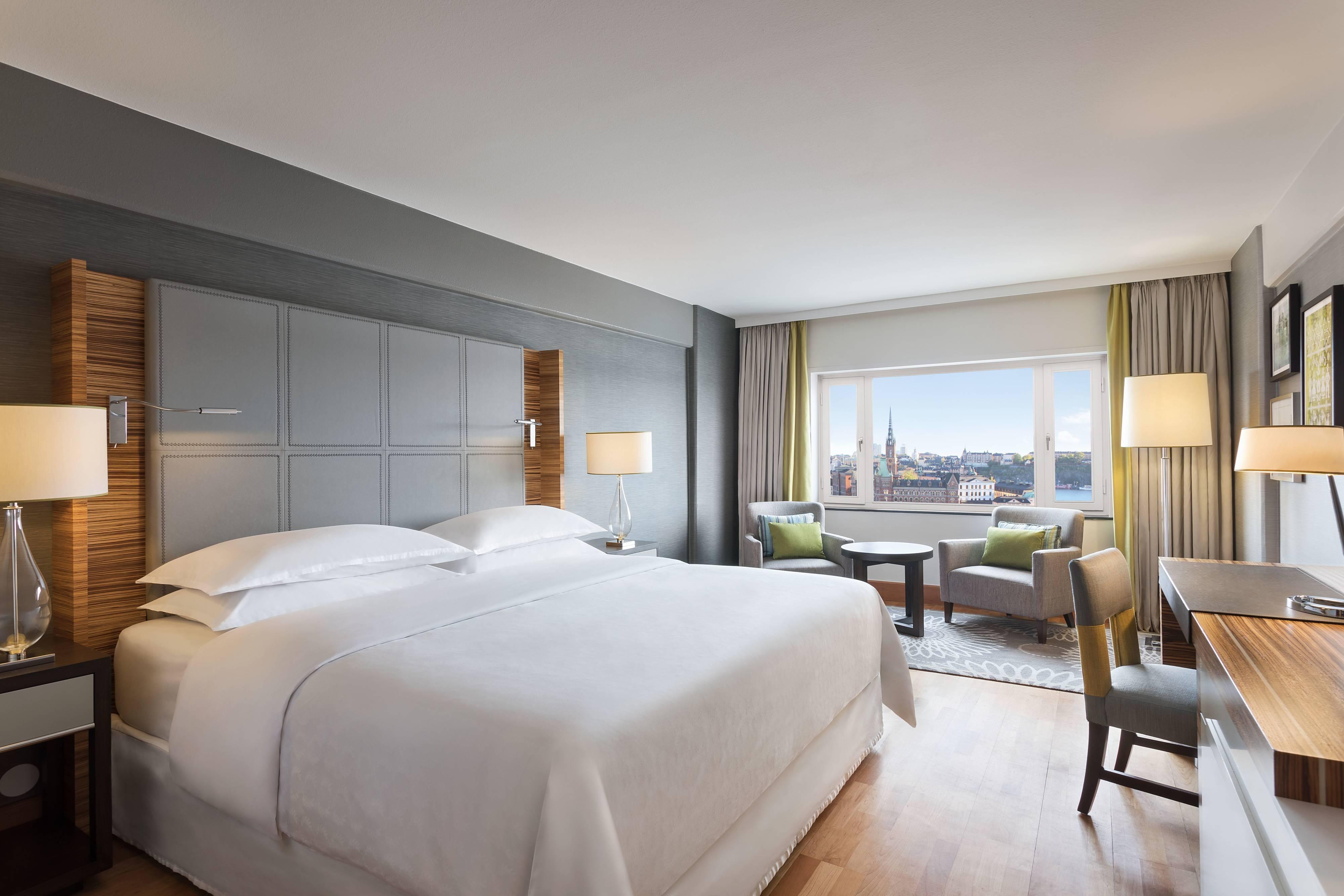 Улучшенный люкс с двуспальной кроватью (King)– спальня