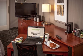 Courtyard by Marriott Santa Rosa Work Desk