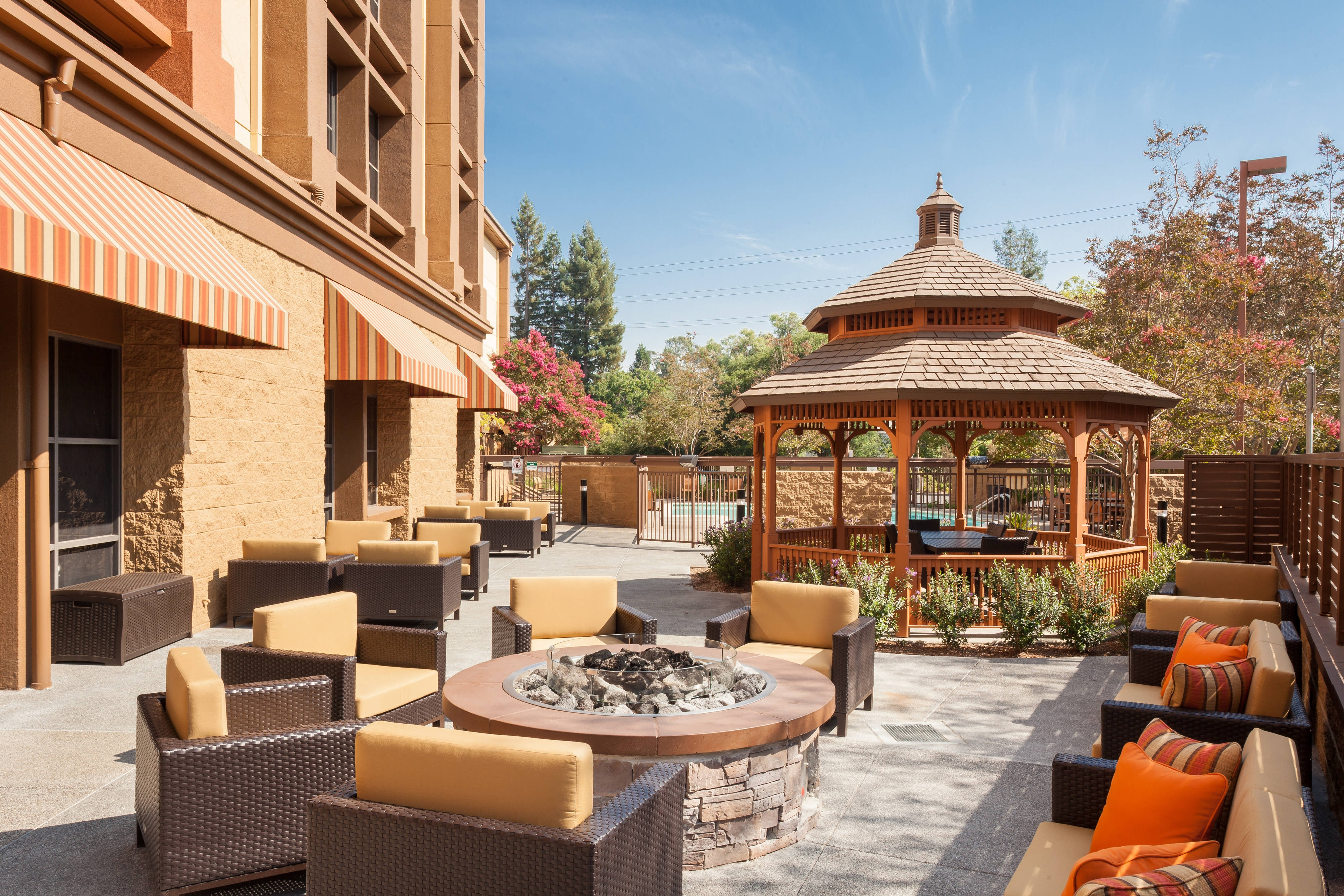 Courtyard by Marriott Santa Rosa Patio & Gazebo