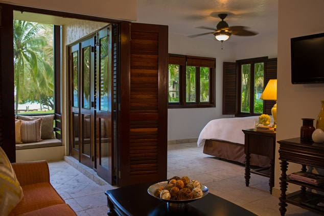 King Beachfront Guest Room