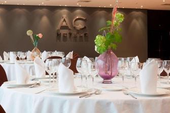 Sala para banquetes en hotel de Sevilla