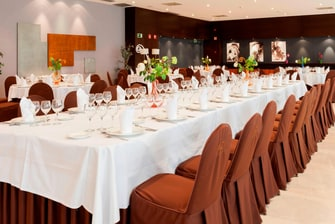 hotels in seville with banquet rooms