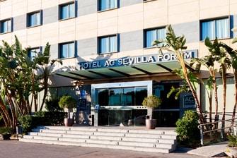 entrada del hotel en la ciudad de Sevilla