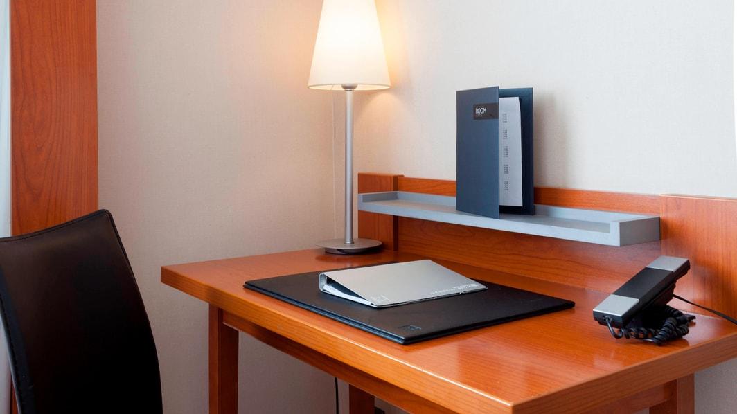 AC Hotels Standardzimmer