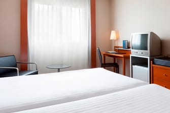 hotel con camas individuales en Sevilla