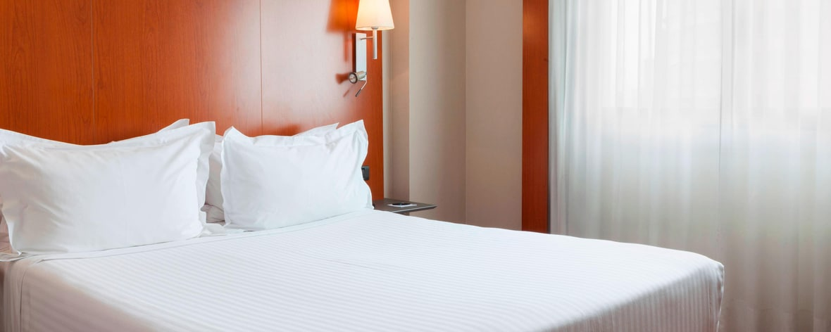 sevilla hotel with queen beds