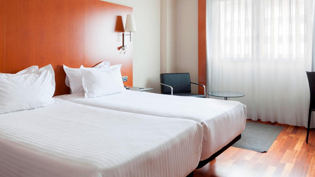 twin beds in seville