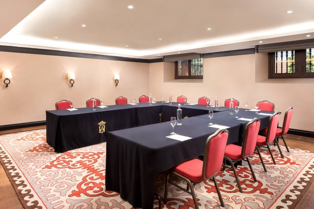 SAN TELMO Meeting Room