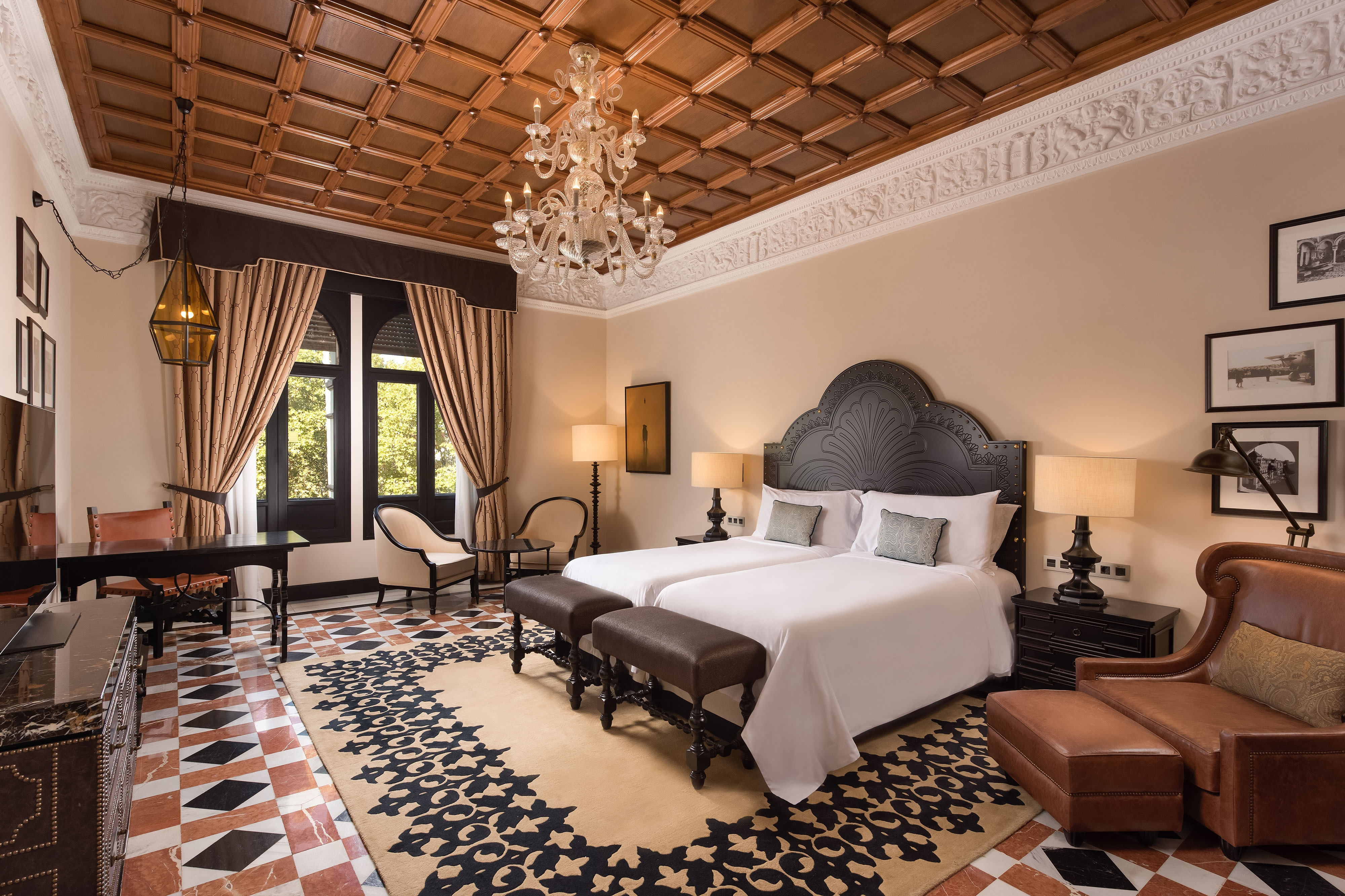 Grand Deluxe Gästezimmer mit zwei Einzelbetten