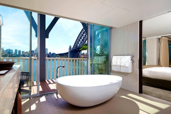 Harbour View Balcony Suite - Bathroom