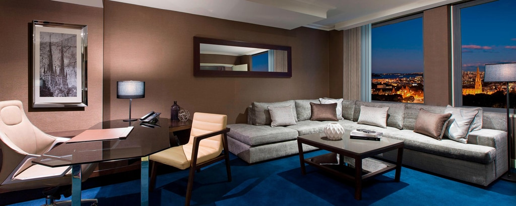 Grand Executive Suite Lounge