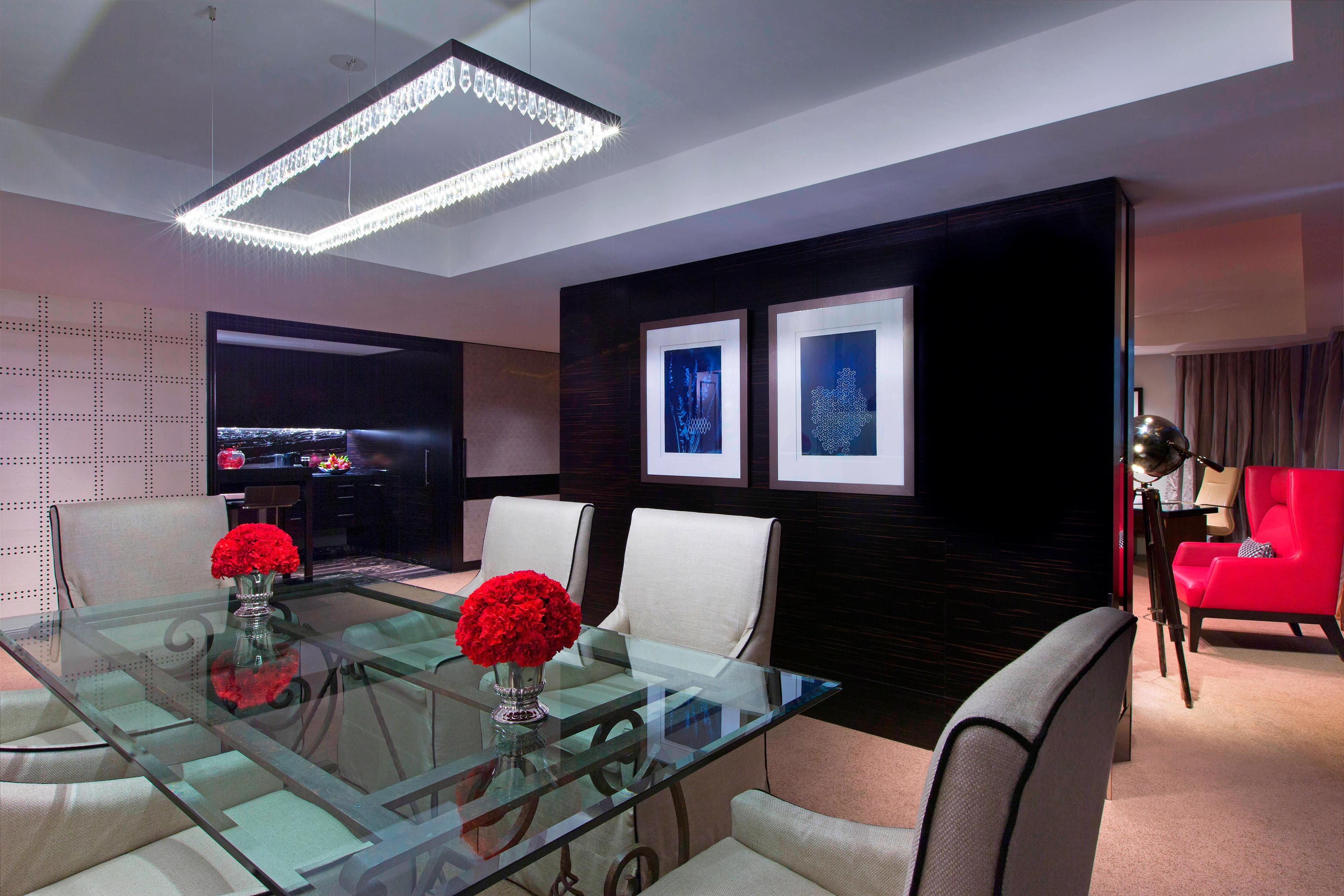 Suite - Dining Room