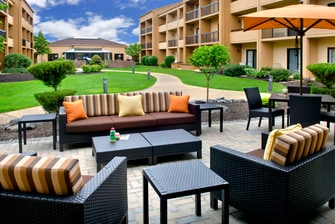 Hotels in Syracuse - Outdoor Patio
