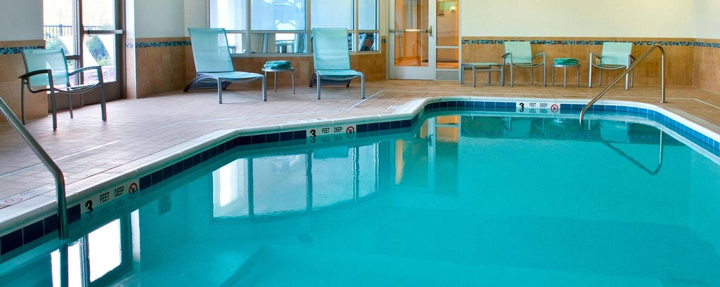 Innenpool des Hotels in Syracuse