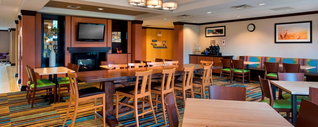 Verona hotel restaurants | Fairfield Inn & Suites Verona Dining ...