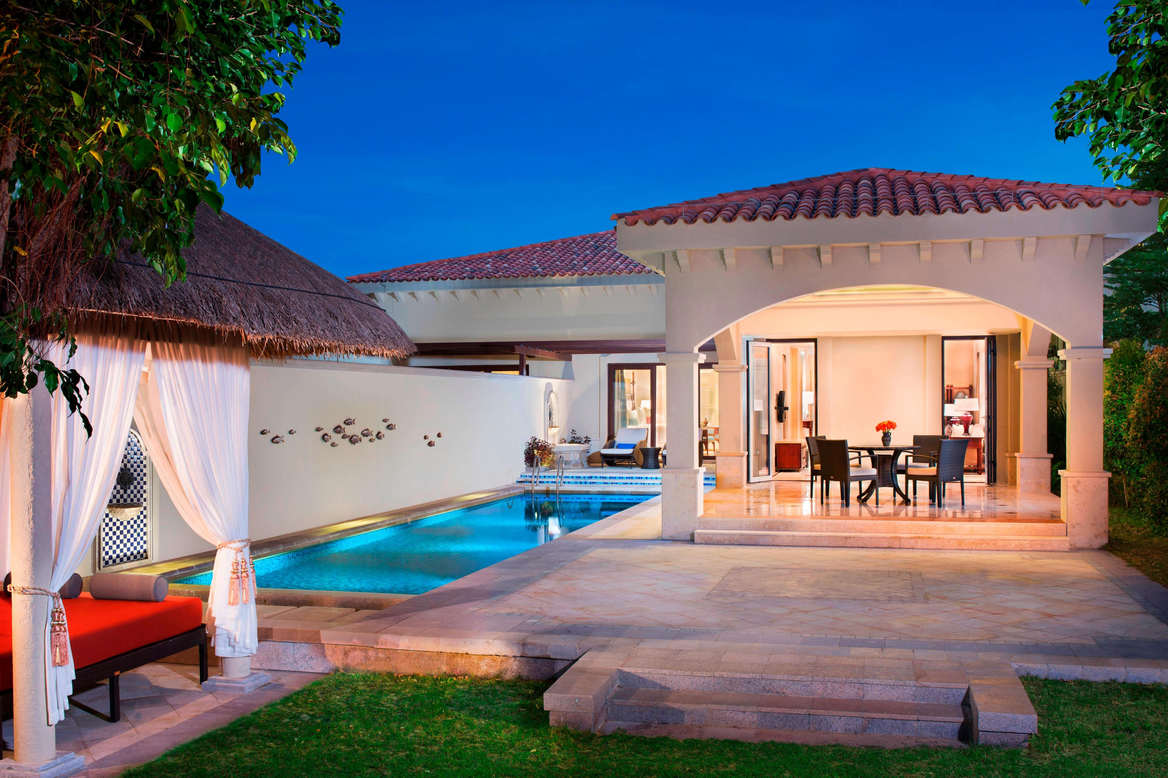 Begonia Family Two Bedroom Villa- Courtyard