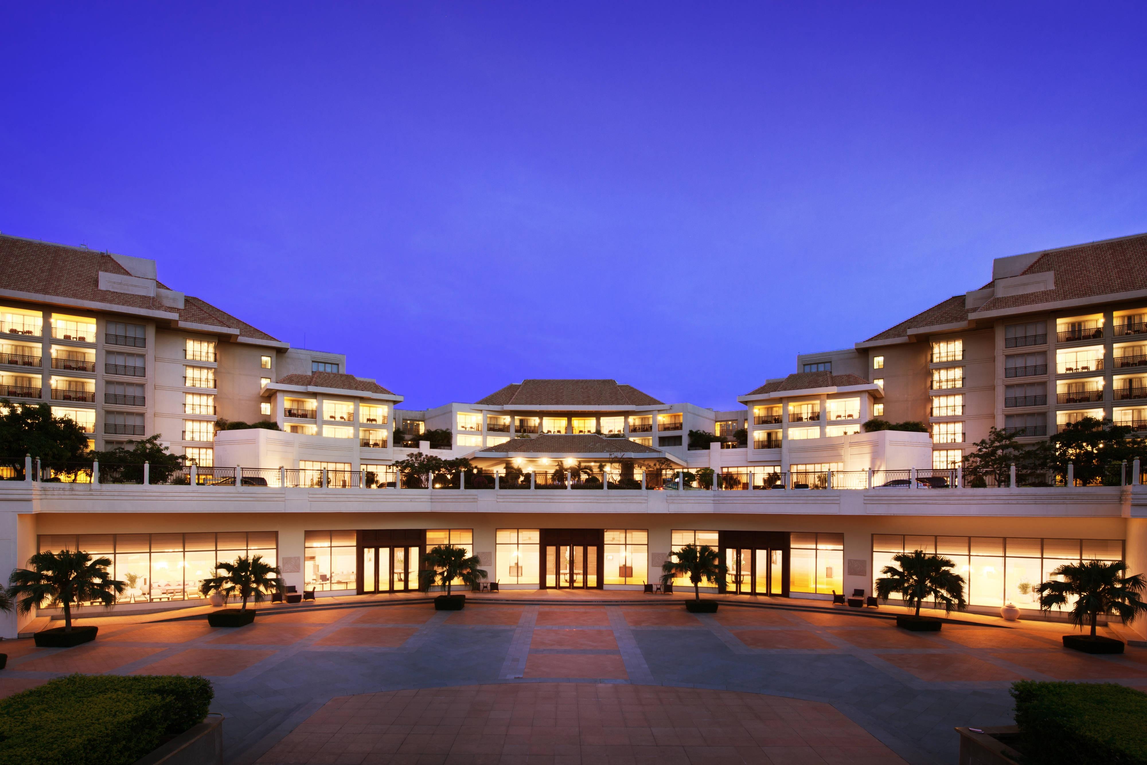 Beach hotel Yalong Bay Sanya