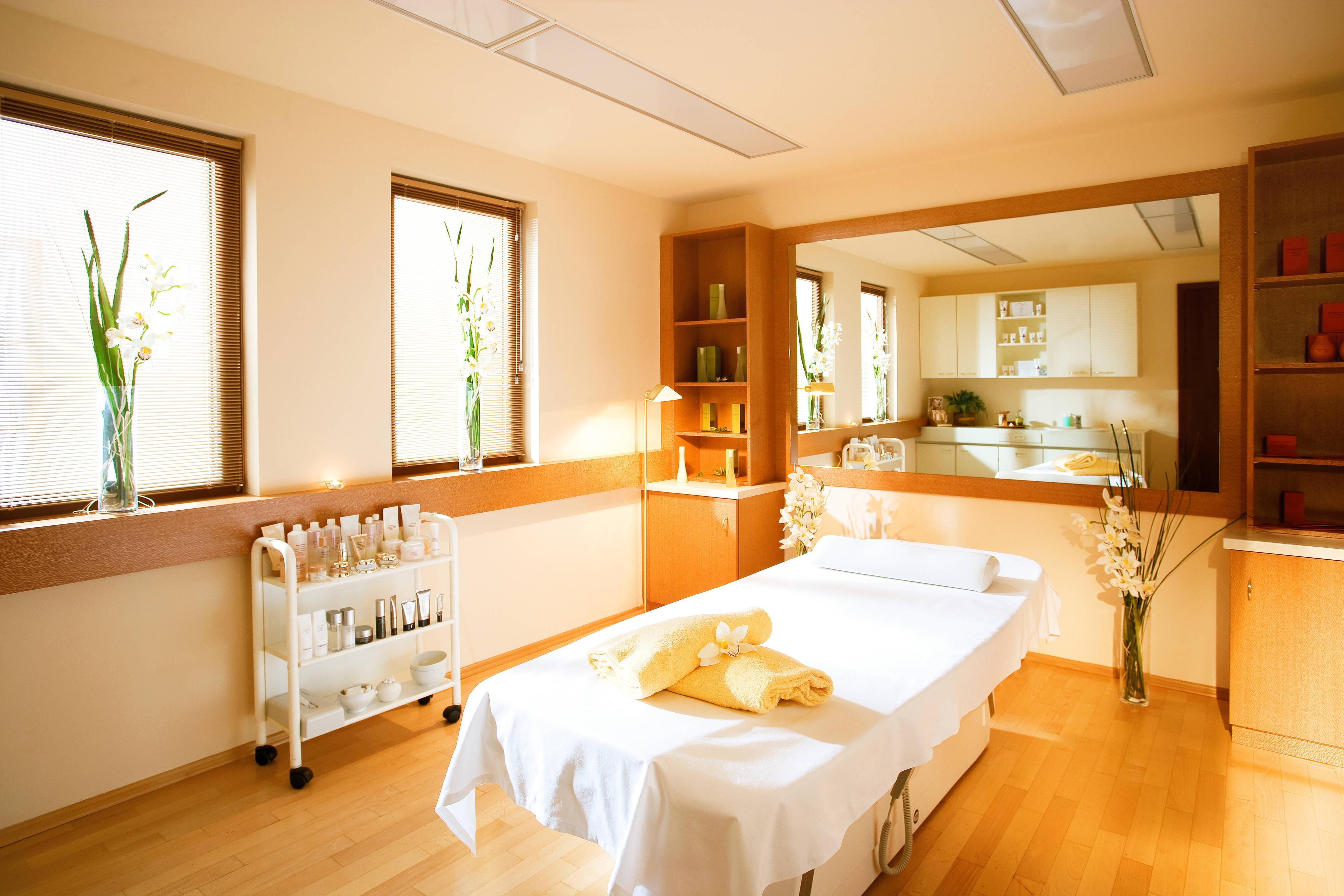 Jagdhof Wellness Behandlungsraum / Treatment Room