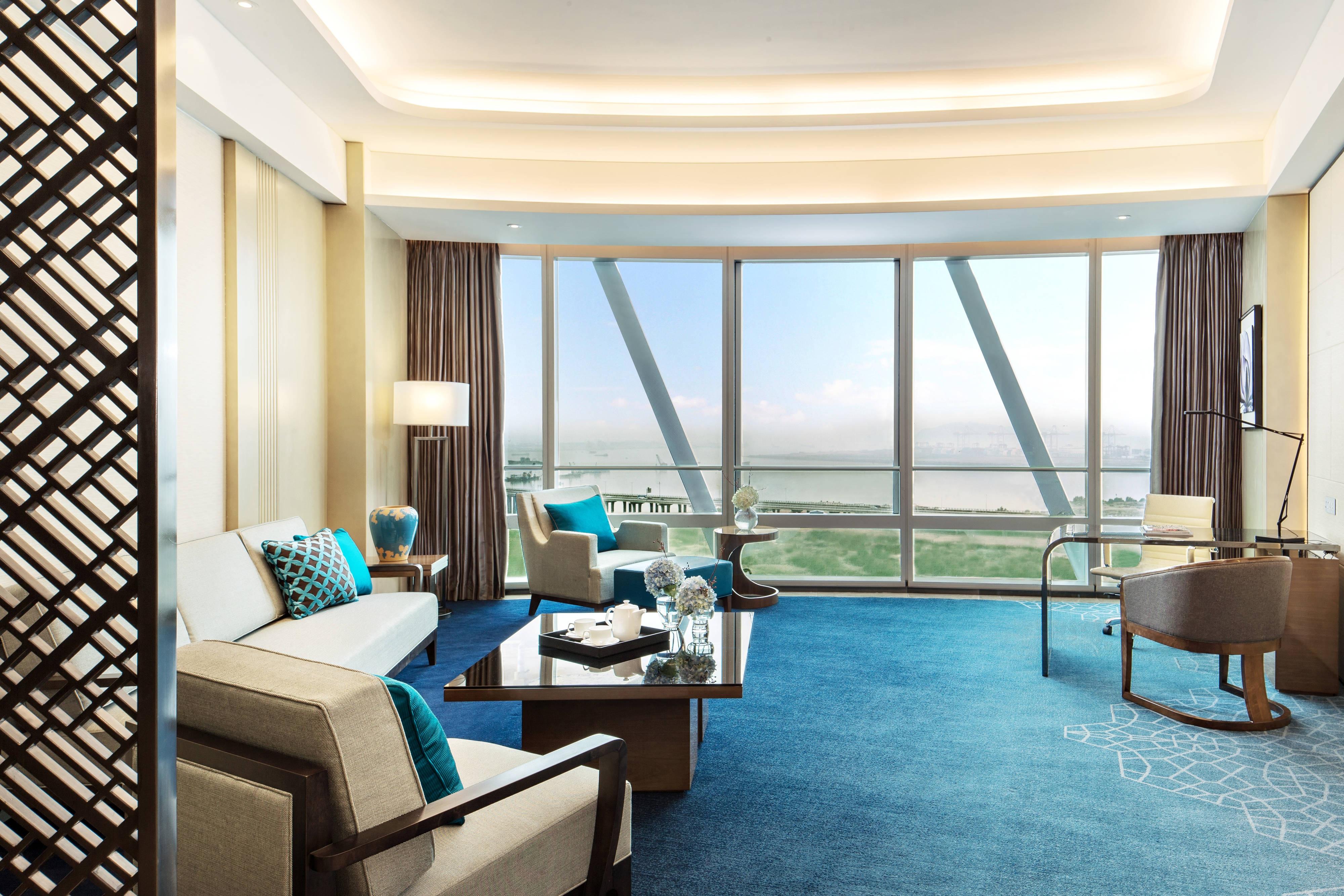 Deluxe Bay View Suite