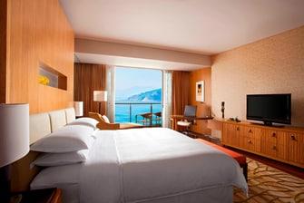 Ocean Deluxe Room - King Guest Room