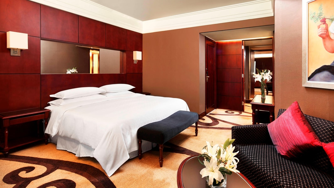 Grand Deluxe King Room
