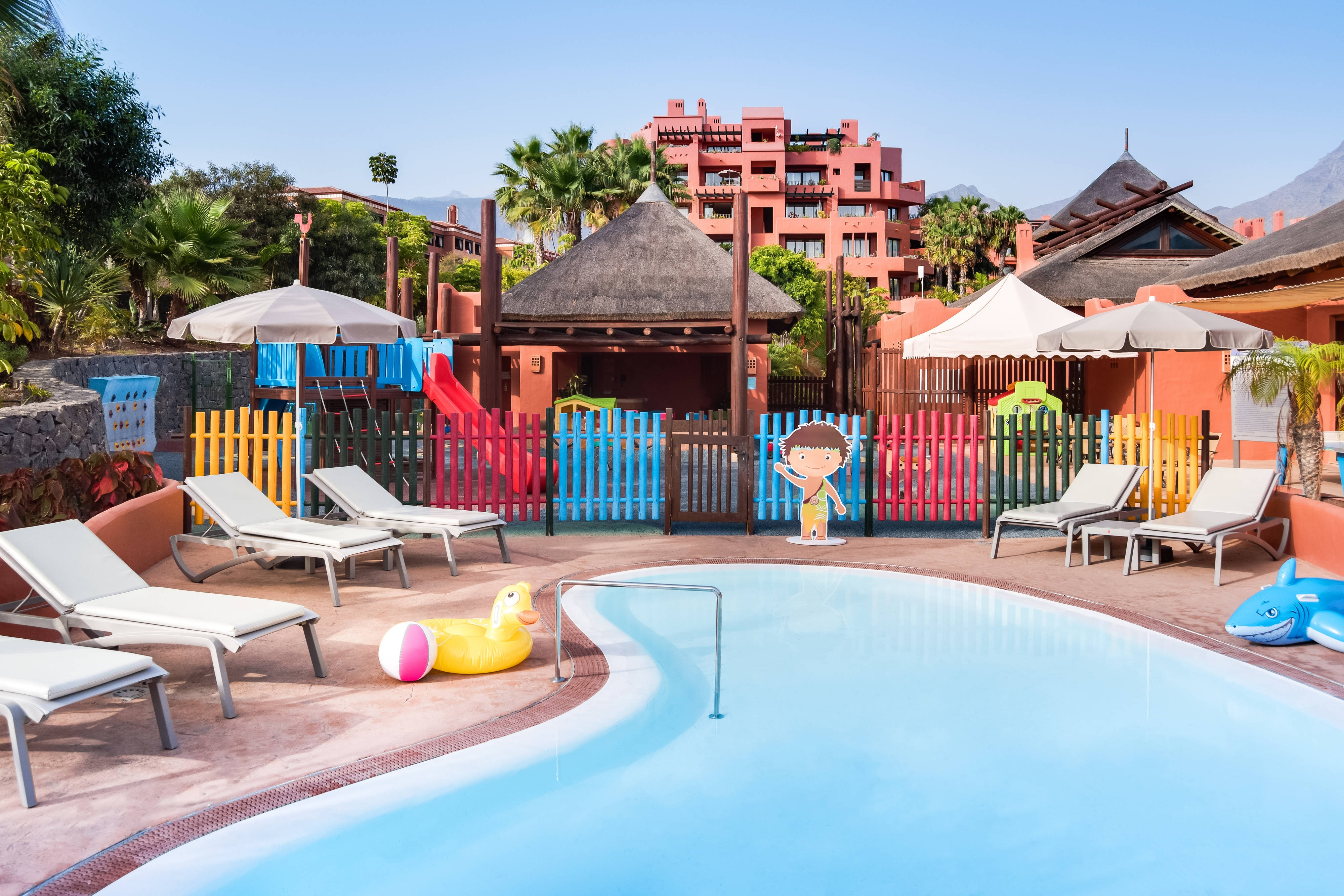 El Guanchito Kids Club - Pool Area