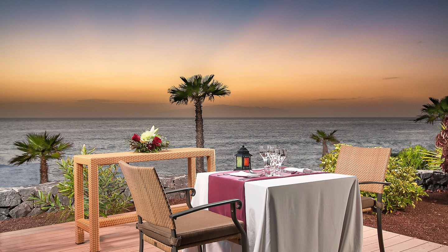 Romantic Outdoor Dinner