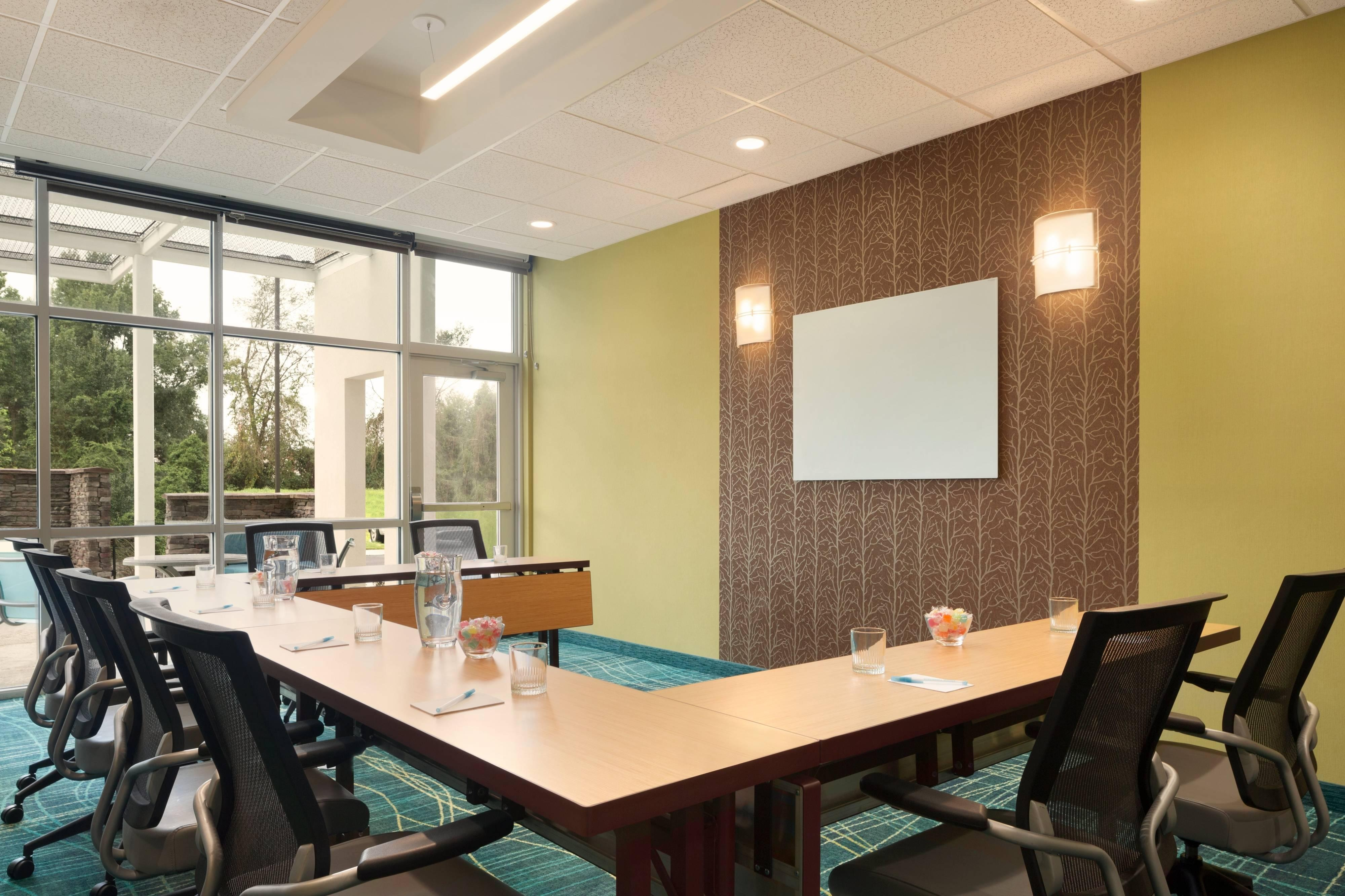 U-shape Setup Meeting Space