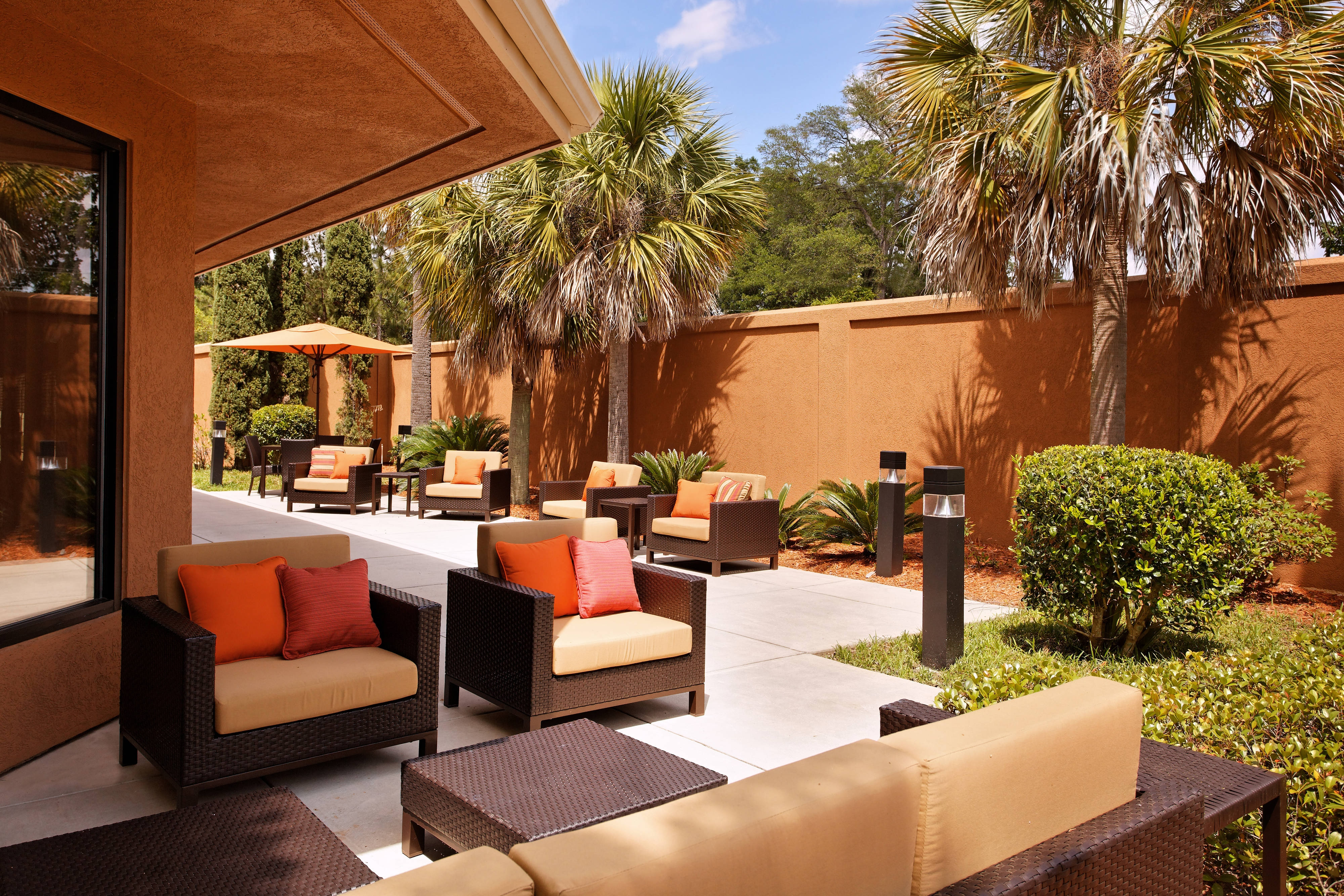 hotel courtyard in tallahassee