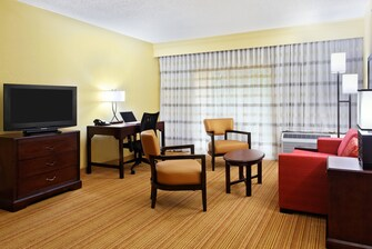 tallahassee hotel suite