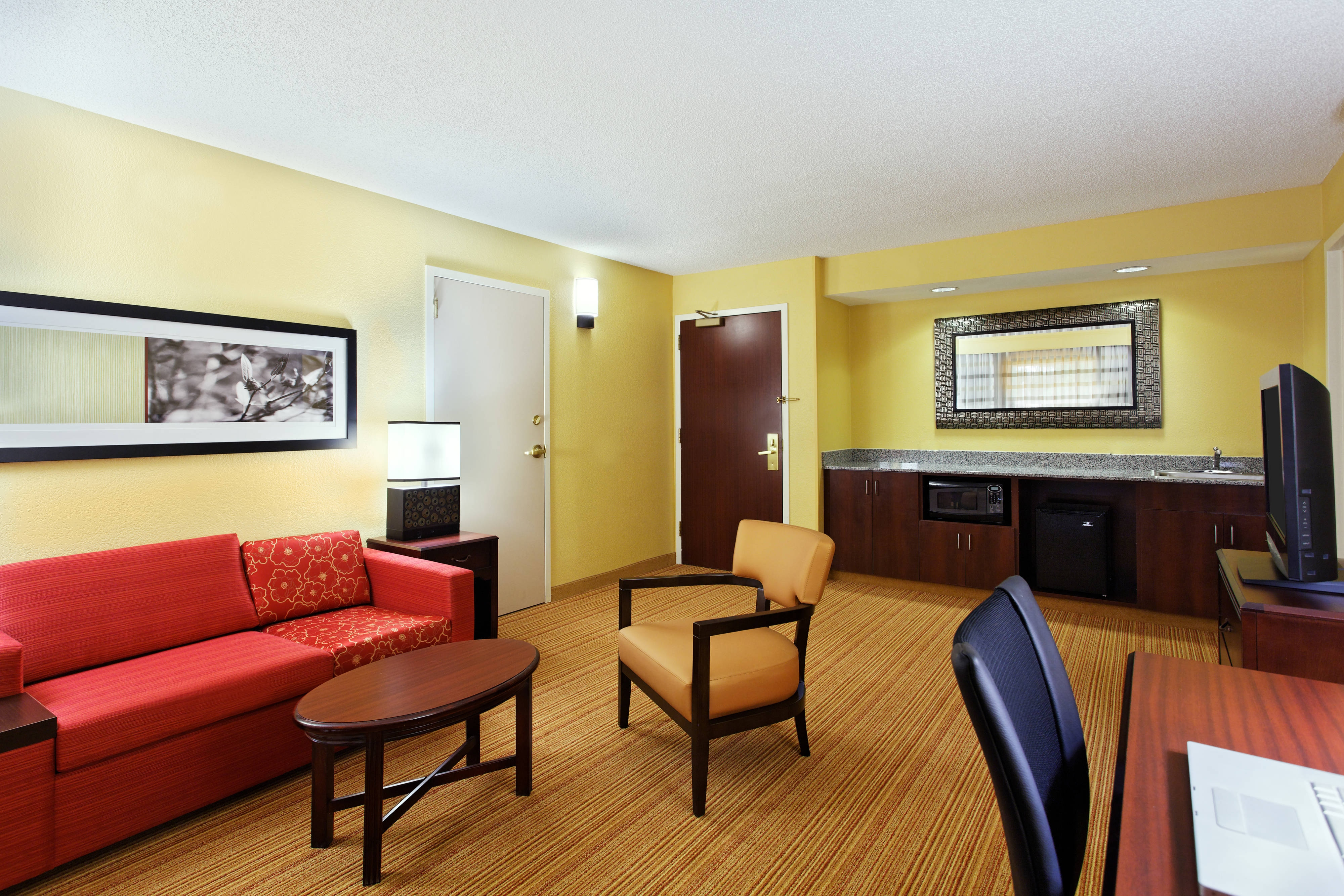 hotel suite in tallahassee