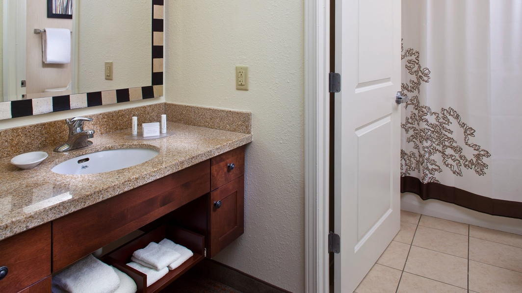 Tallahassee, Florida Suites Bathroom Vanity