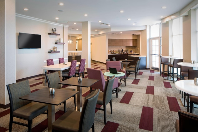 Tallahassee Hotels with Free Breakfast
