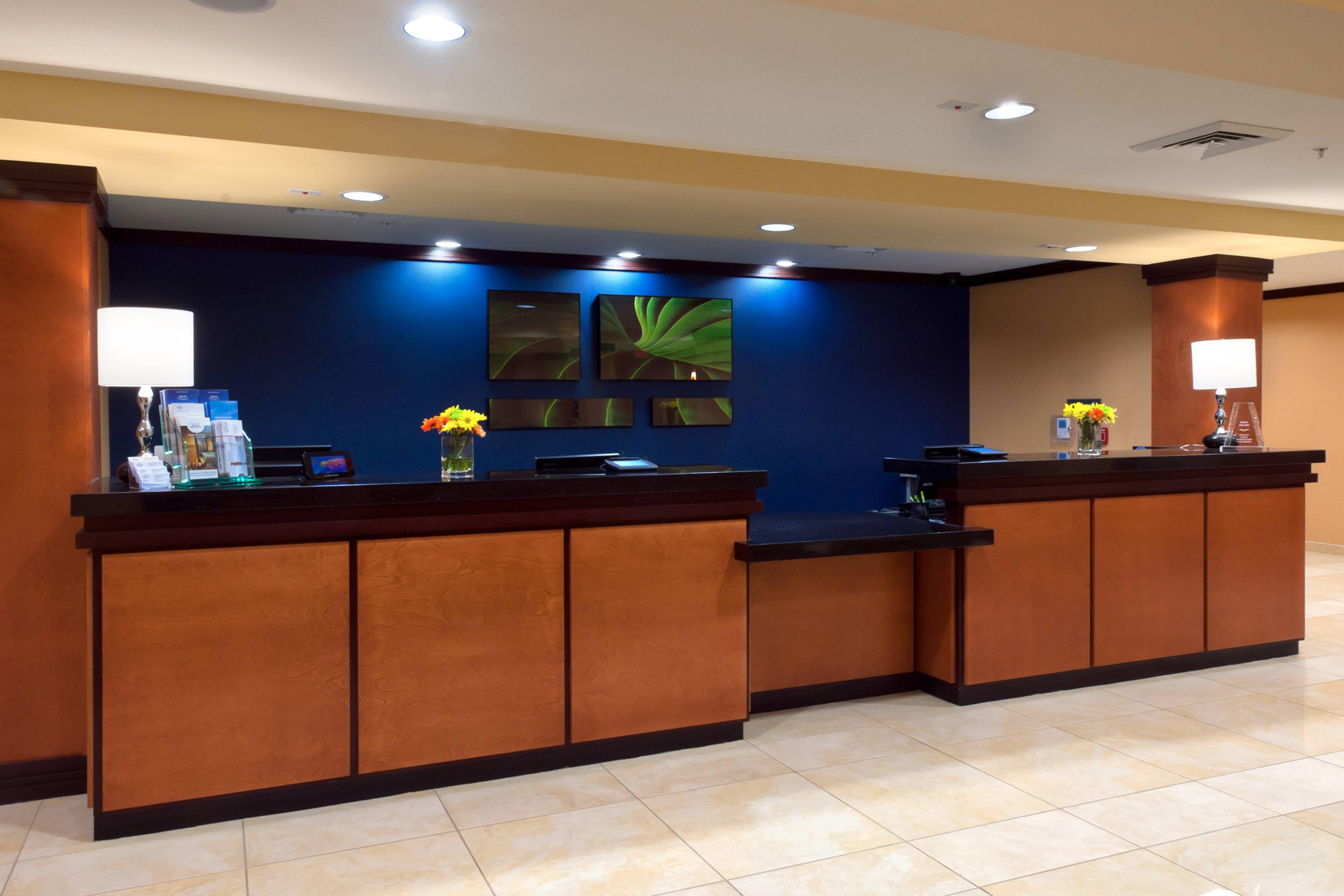 Front Desk - Tallahassee, FL hotel