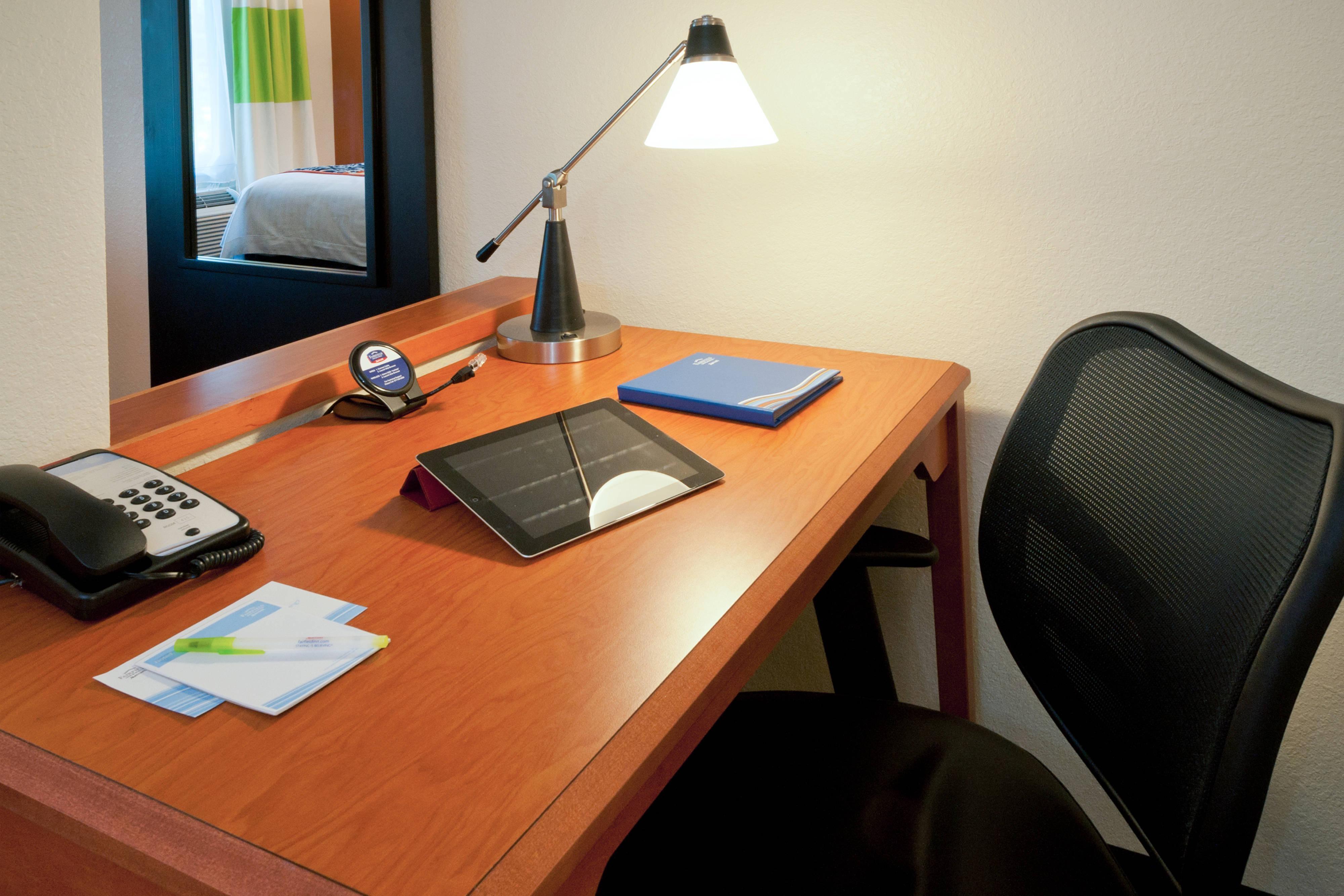 Work Desk - Tallahassee, FL hotel