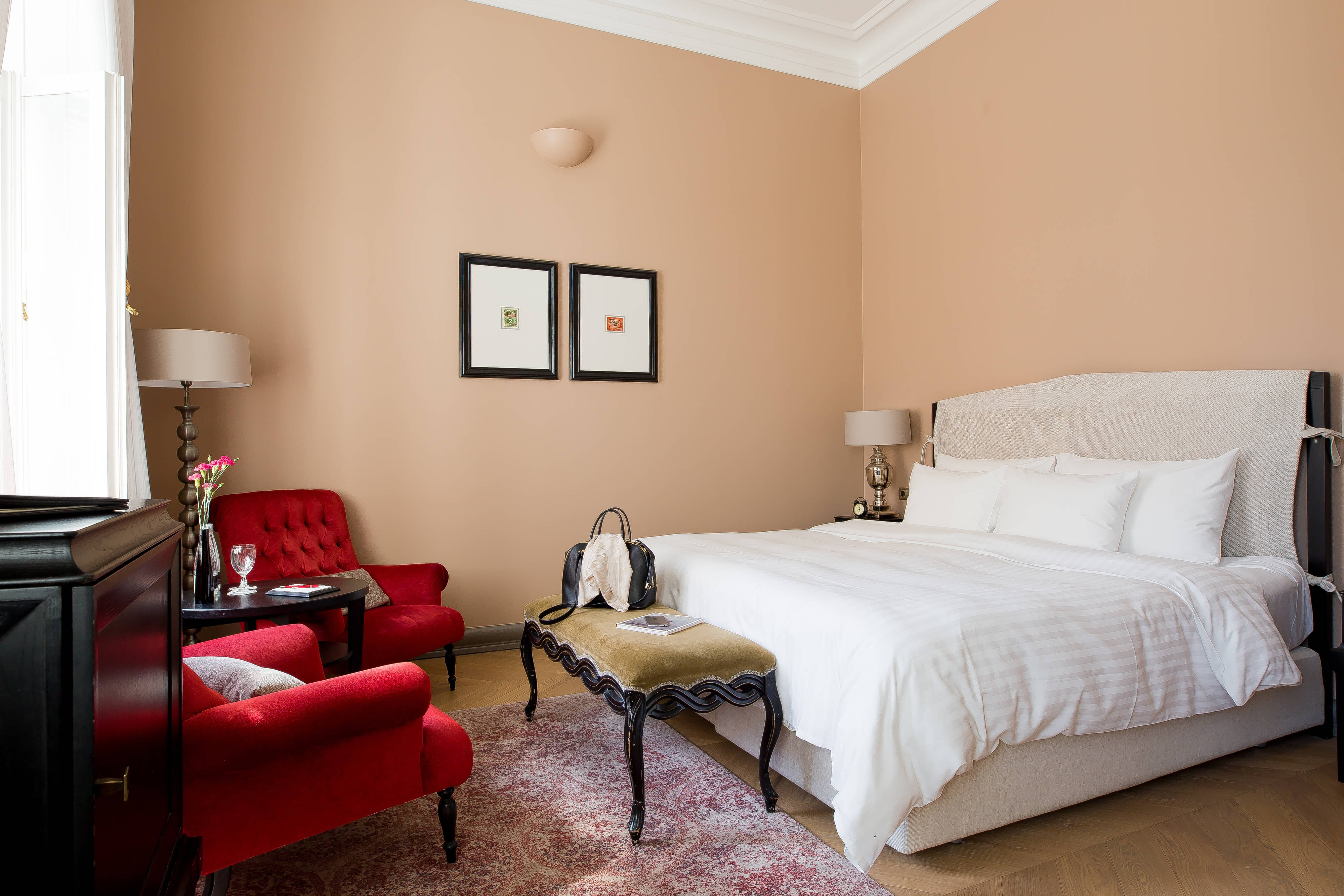 Superior King Guest Room - City View