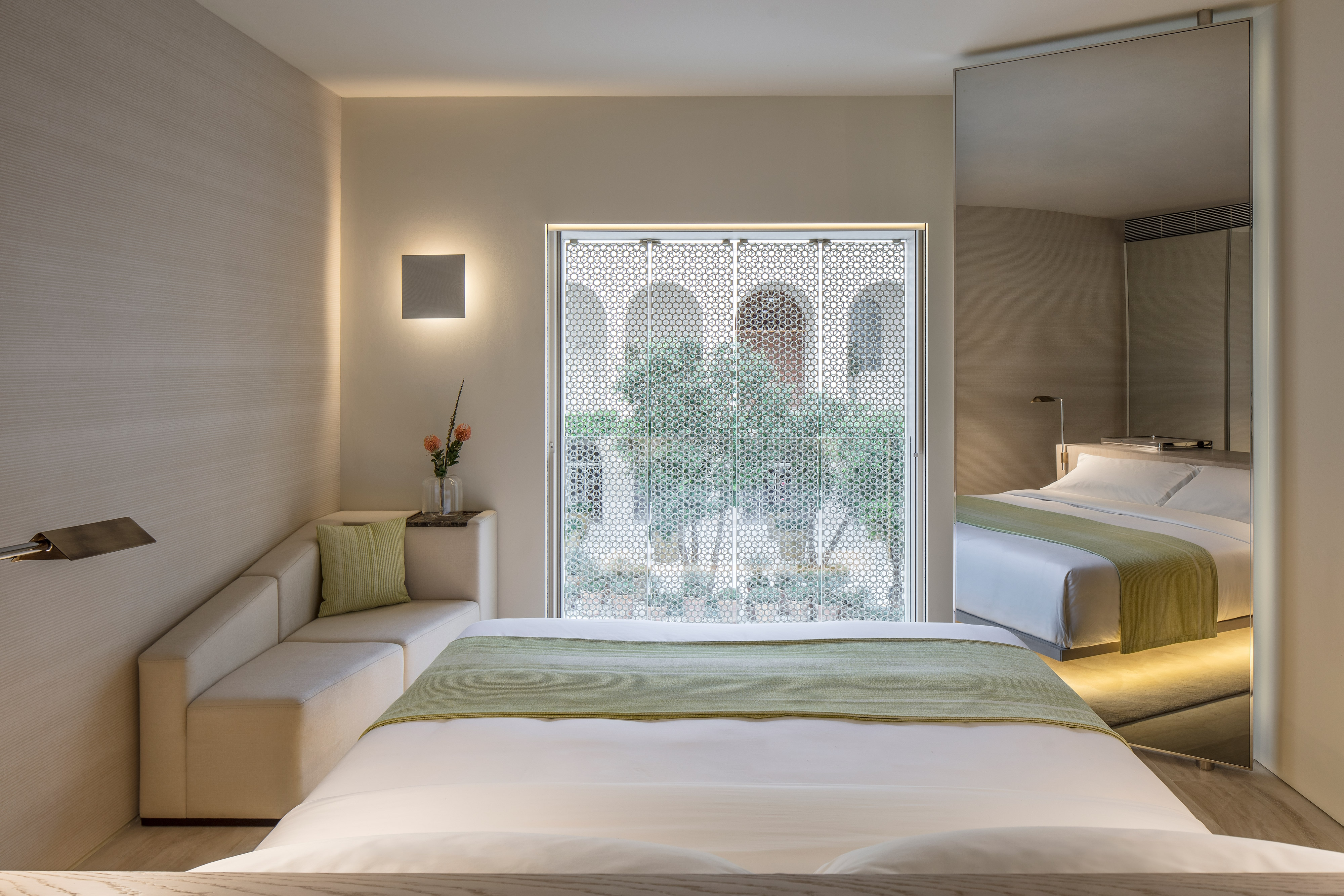 King Deluxe Pool Or Garden View Guest Room