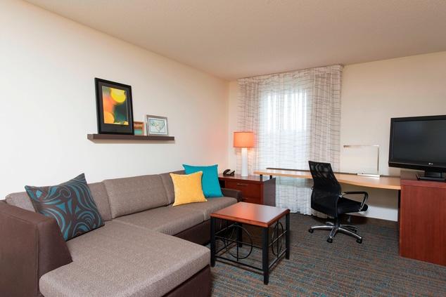 Studio Suite Living Area Maumee Hotel