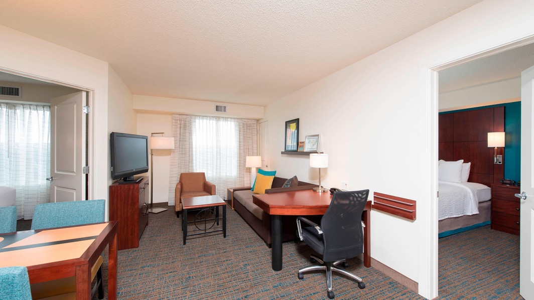 Maumee Hotel Two-Bedroom Suite