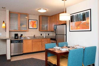 Suite Kitchen in Maumee Hotel