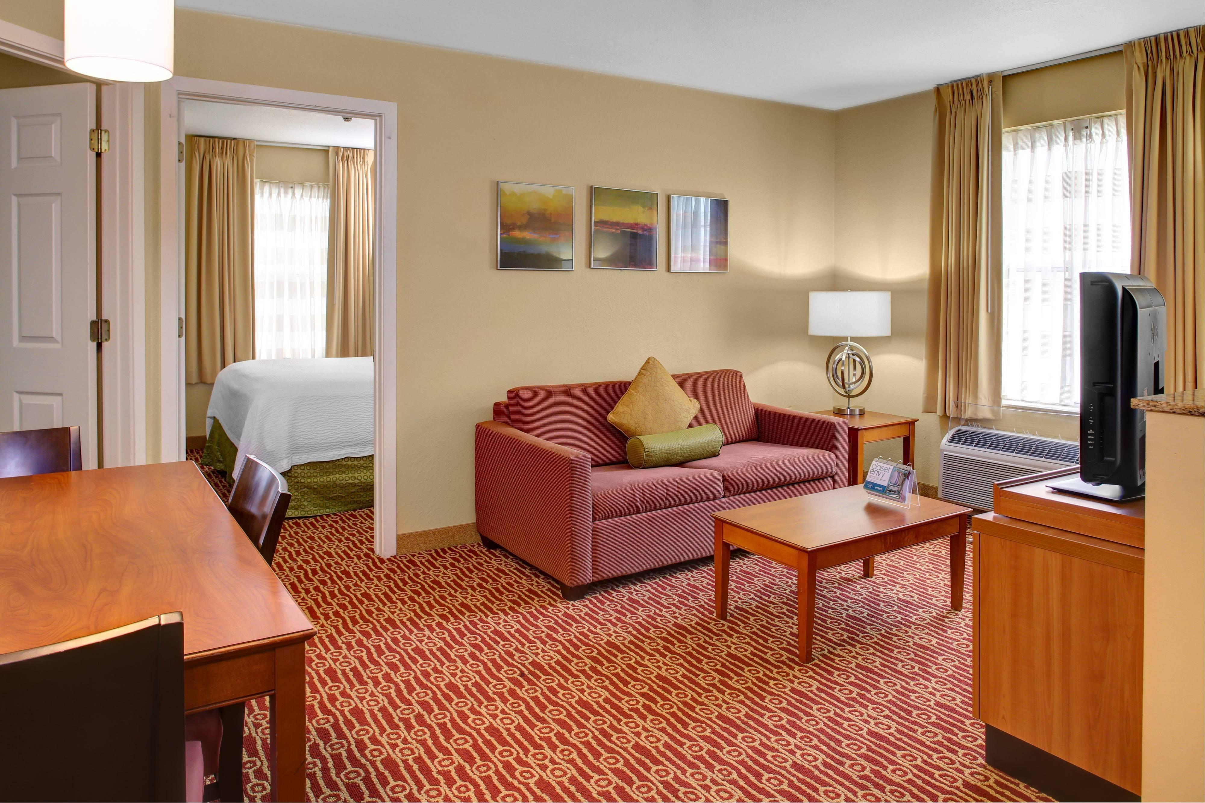 Suite mit zwei Schlafzimmern – Wohnzimmer