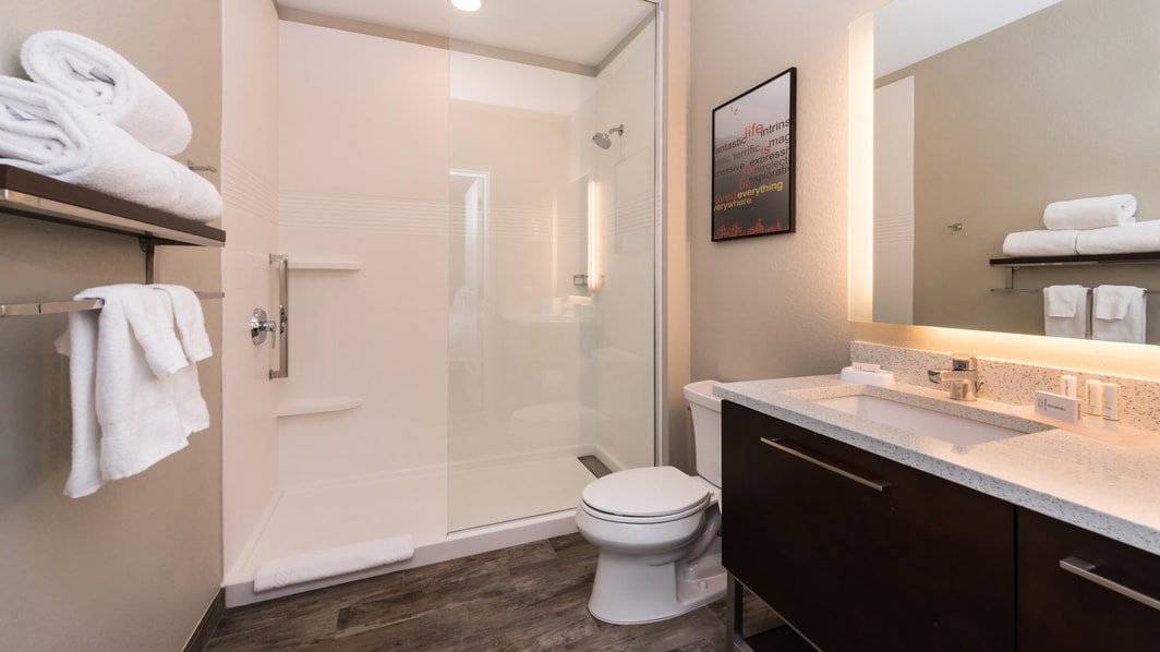 TownePlace Suites Vanity & Bathroom Area